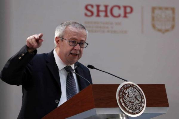 En el Salón Tesorería de Palacio Nacional, el encargado de las finanzas públicas del país dijo que ha habido una gran participación