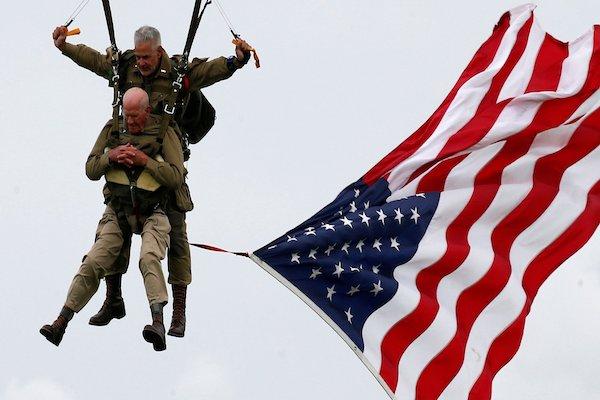Veterano-de-Guerra-Dia-D-Normandia-paracaidas